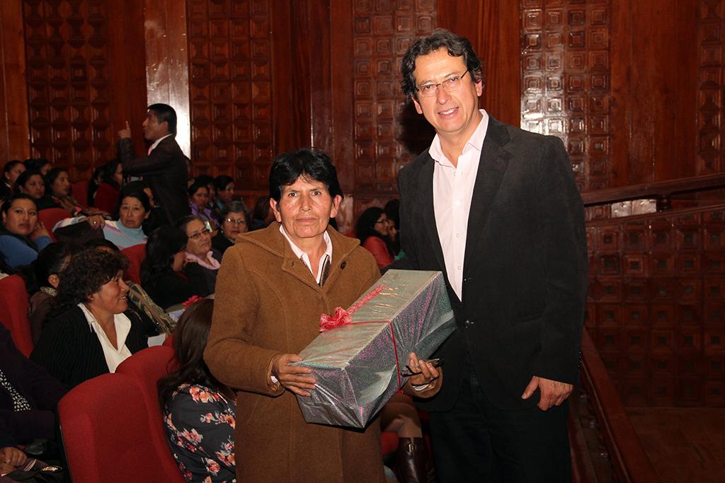 Gobierno Municipal Cusco rindió homenaje a Madres trabajadoras.