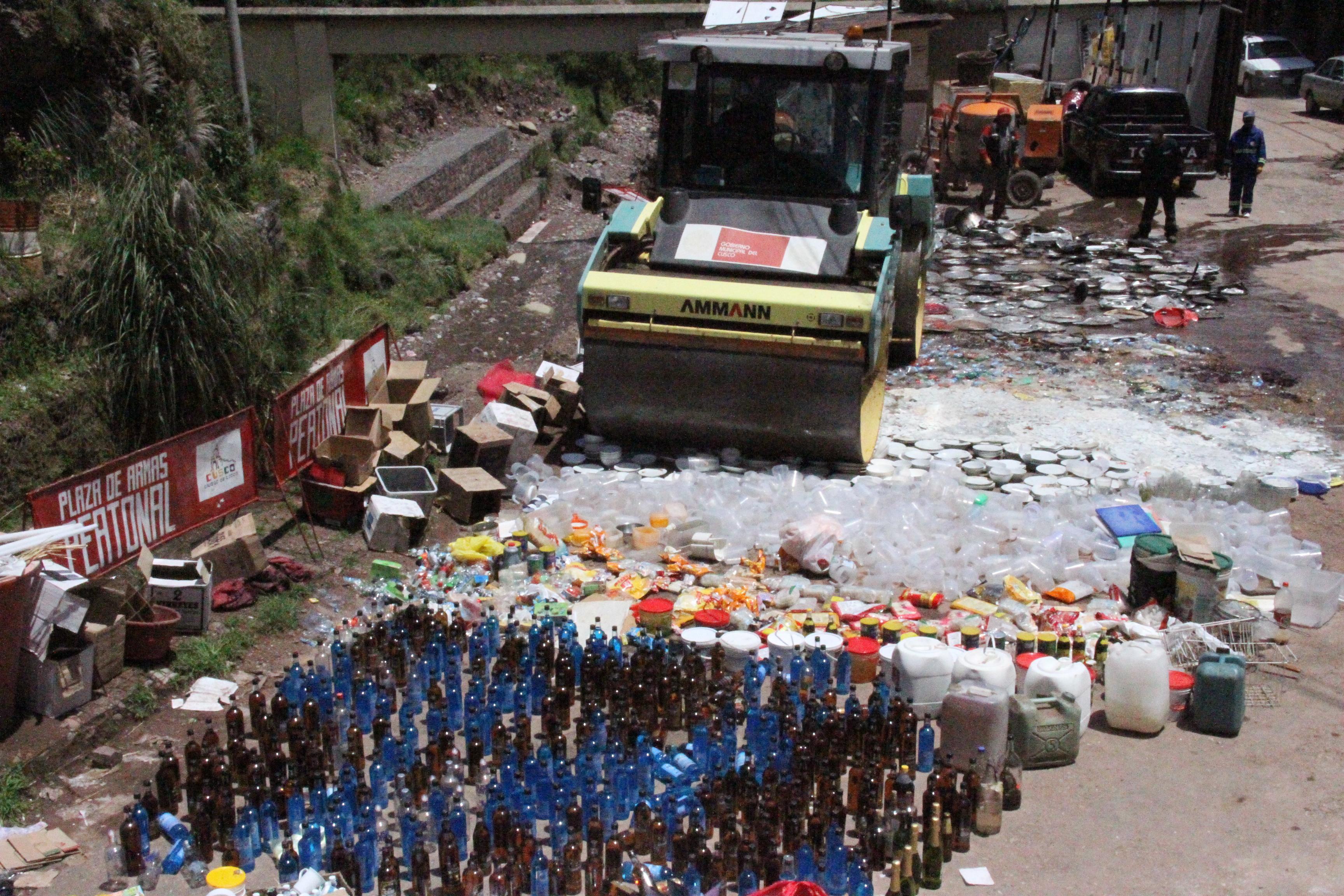 Municipalidad del Cusco procedió a la destrucción de material requisado en operativos de control