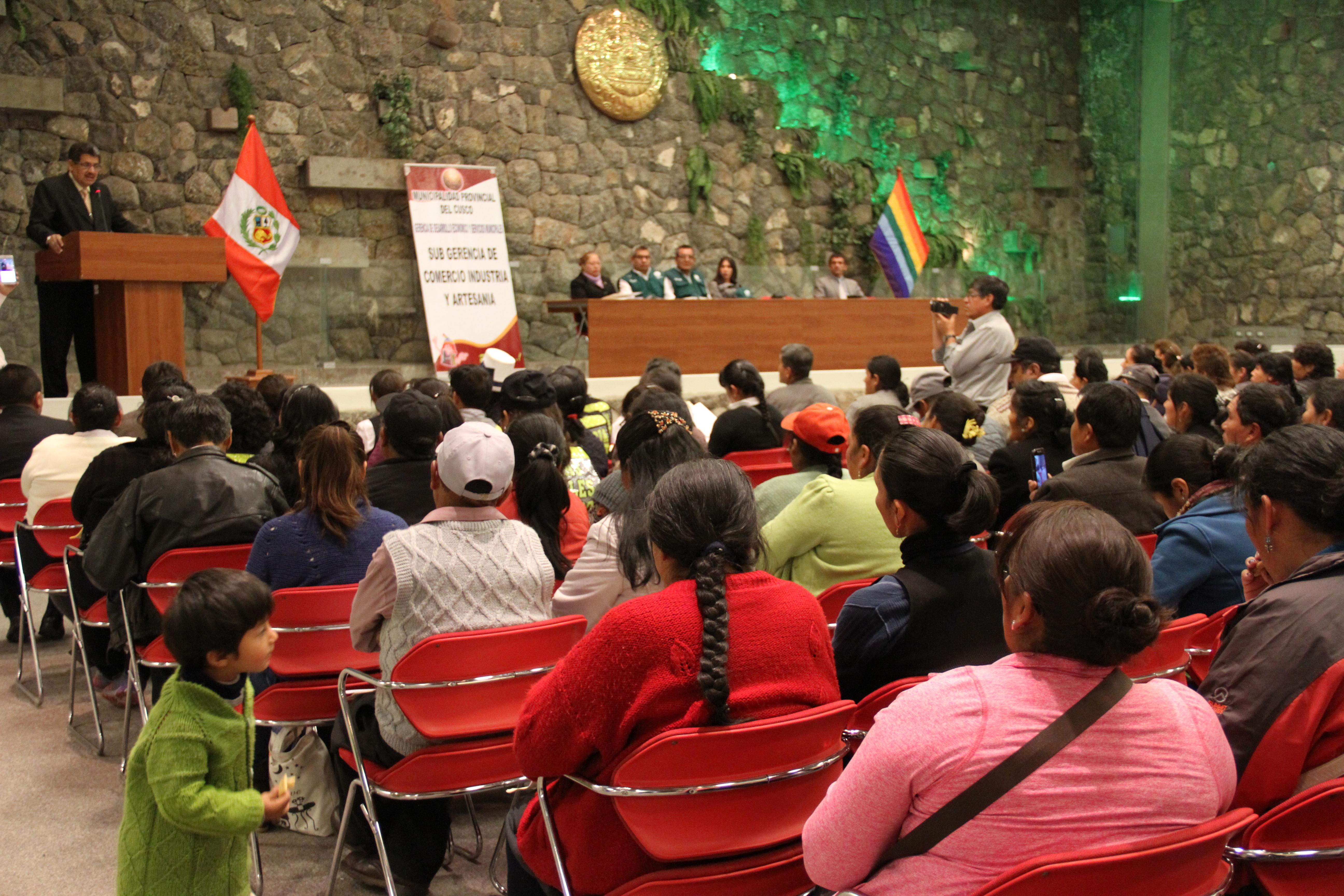 MUNICIPALIDAD DEL CUSCO CLAUSURA PRIMER TALLER DE CAPACITACIÓN DE COMITÉS DE AUTOCONTROL SANITARIO DE MERCADOS DE ABASTOS DE LA CIUDAD