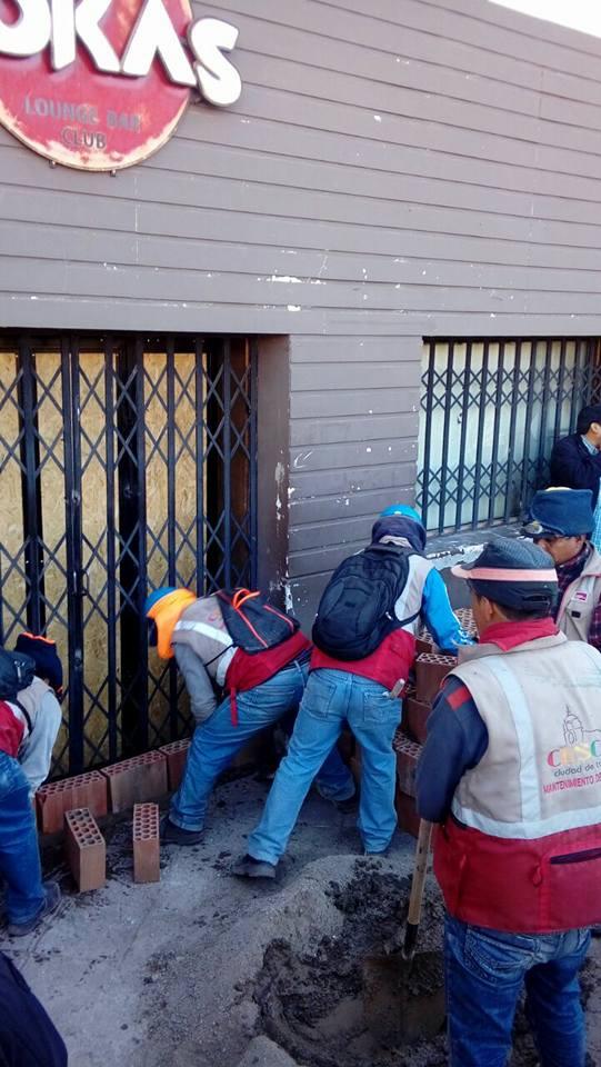 """MUNICIPALIDAD DEL CUSCO PROCEDE A LA CLAUSURA DEFINITIVA A  LA DISCOTECA """"LAS ROCAS"""" POR ATENTAR A LA SEGURIDAD PÚBLICA"""