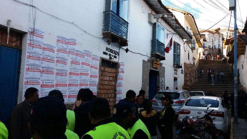 """MUNICIPALIDAD DEL CUSCO PROCEDIO AL CIERRE DEFINITIVO DE LAS DISCOTECAS  """"MUNAYS"""" Y """"HOMEROS"""" EN CALLE TEQSECOCHA POR PRESENTAR RIESGO ALTO GRAVE"""