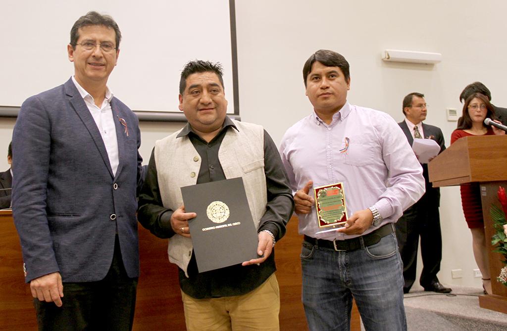 """MUNICIPALIDAD PROVINCIAL DEL CUSCO REALIZÓ RECONOCIMIENTO AL COLECTIVO """"UNA SOLA  FUERZA CUSCO"""""""