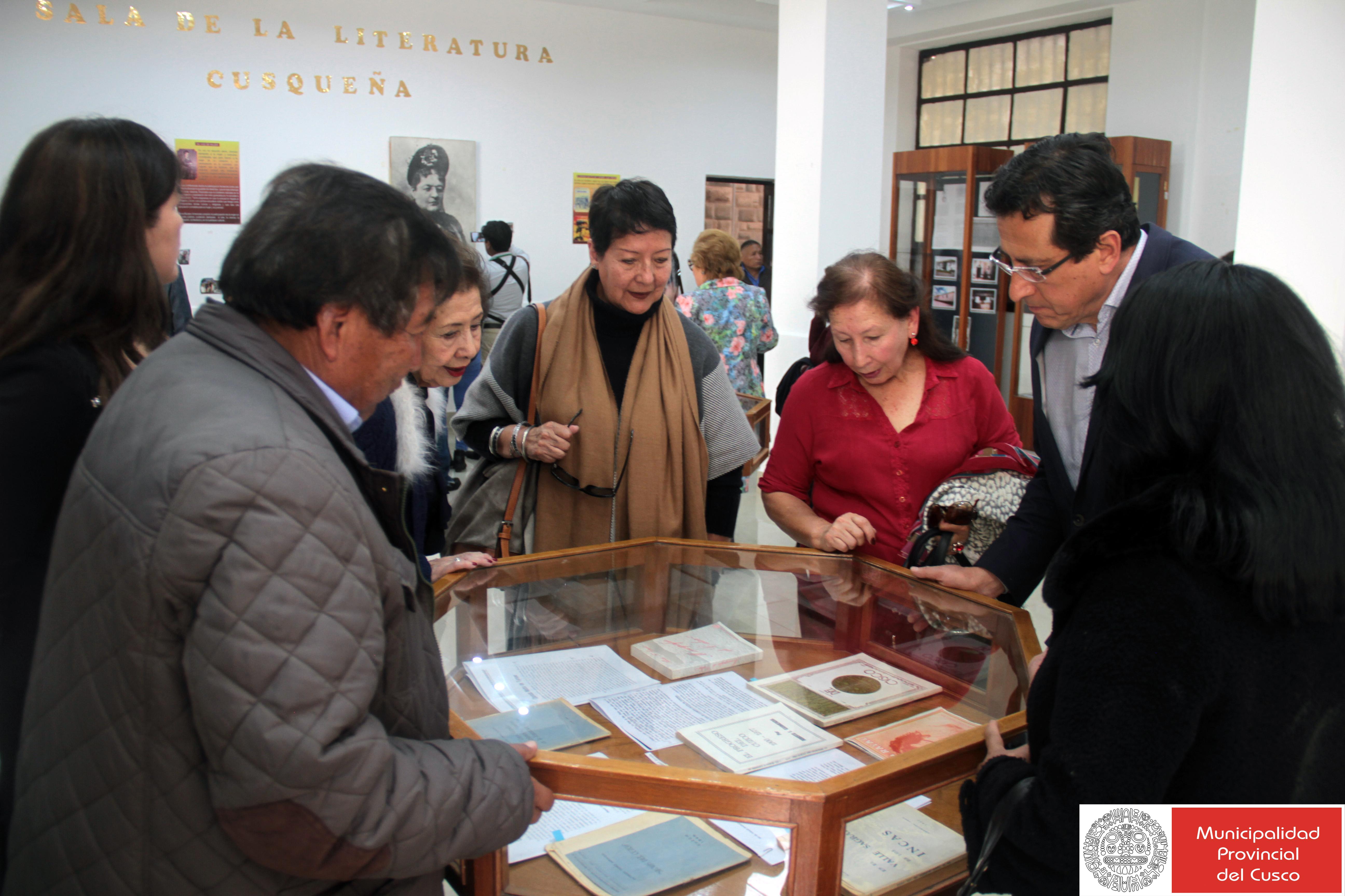 """MUNICIPALIDAD  DE CUSCO PRESENTO EL LIBRO """"PENSAR EN PÚBLICO -LAS VELADAS LITERARIAS DE CLORINDA MATTO DE TURNER"""""""
