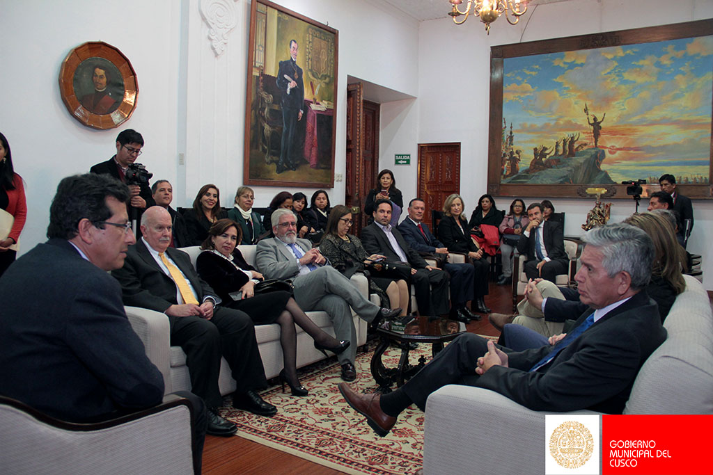 MUNICIPALIDAD DEL CUSCO DECLARÓ COMO VISITANTES DISTINGUIDOS A JURISTAS INTERNACIONALES