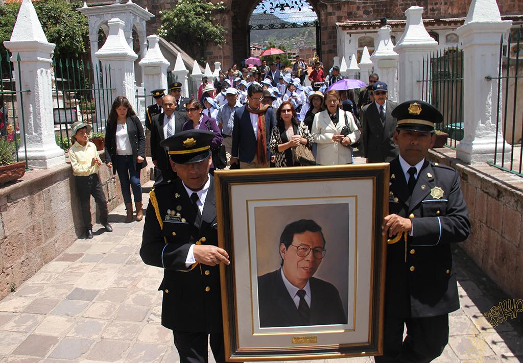MUNICIPALIDAD  DEL  CUSCO  RINDE MERECIDO  HOMENAJE  A  DANIEL ESTRADA PEREZ
