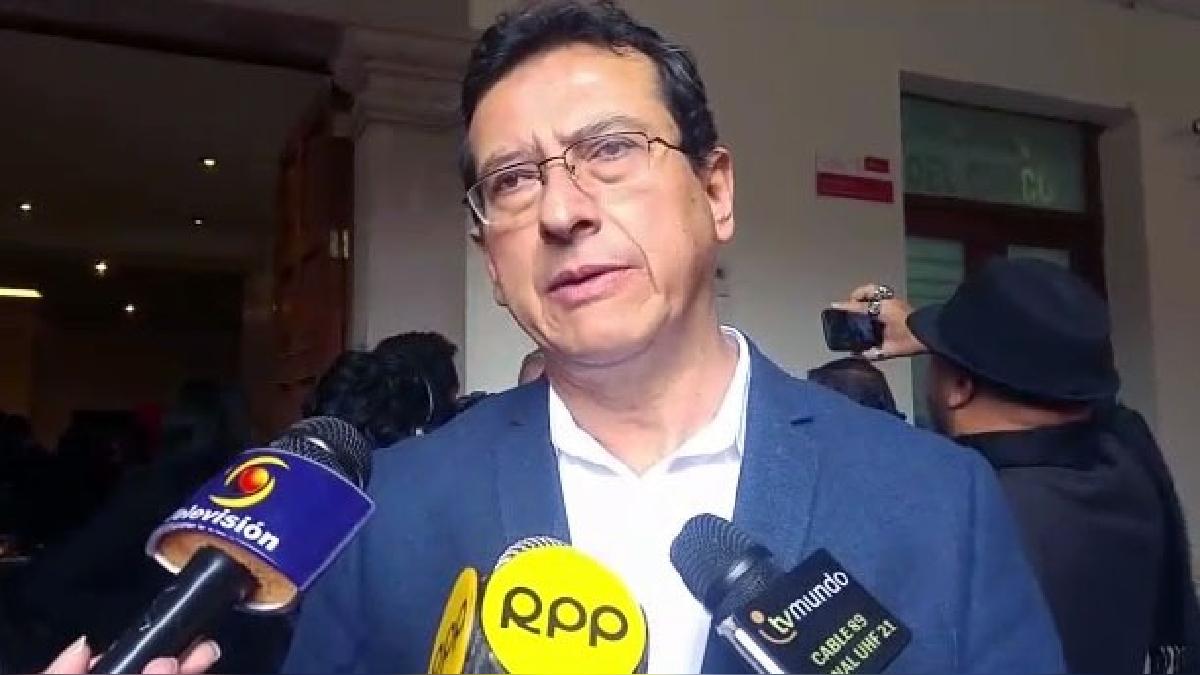 Alcalde Carlos Moscoso declara  respecto a la crisis política que vive el Perú