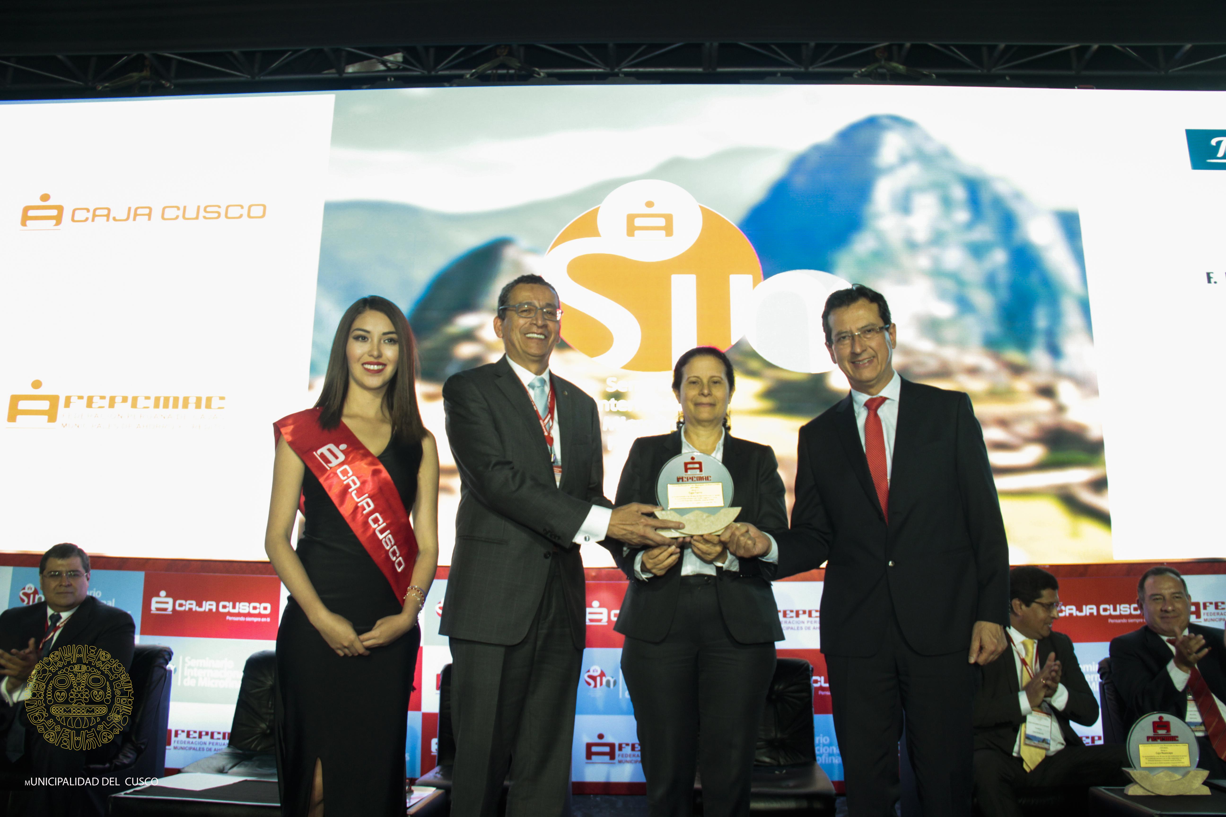 Seminario Internacional de Microfinanzas con la participación especial del Alcalde del Cusco Carlos  Moscoso Perea