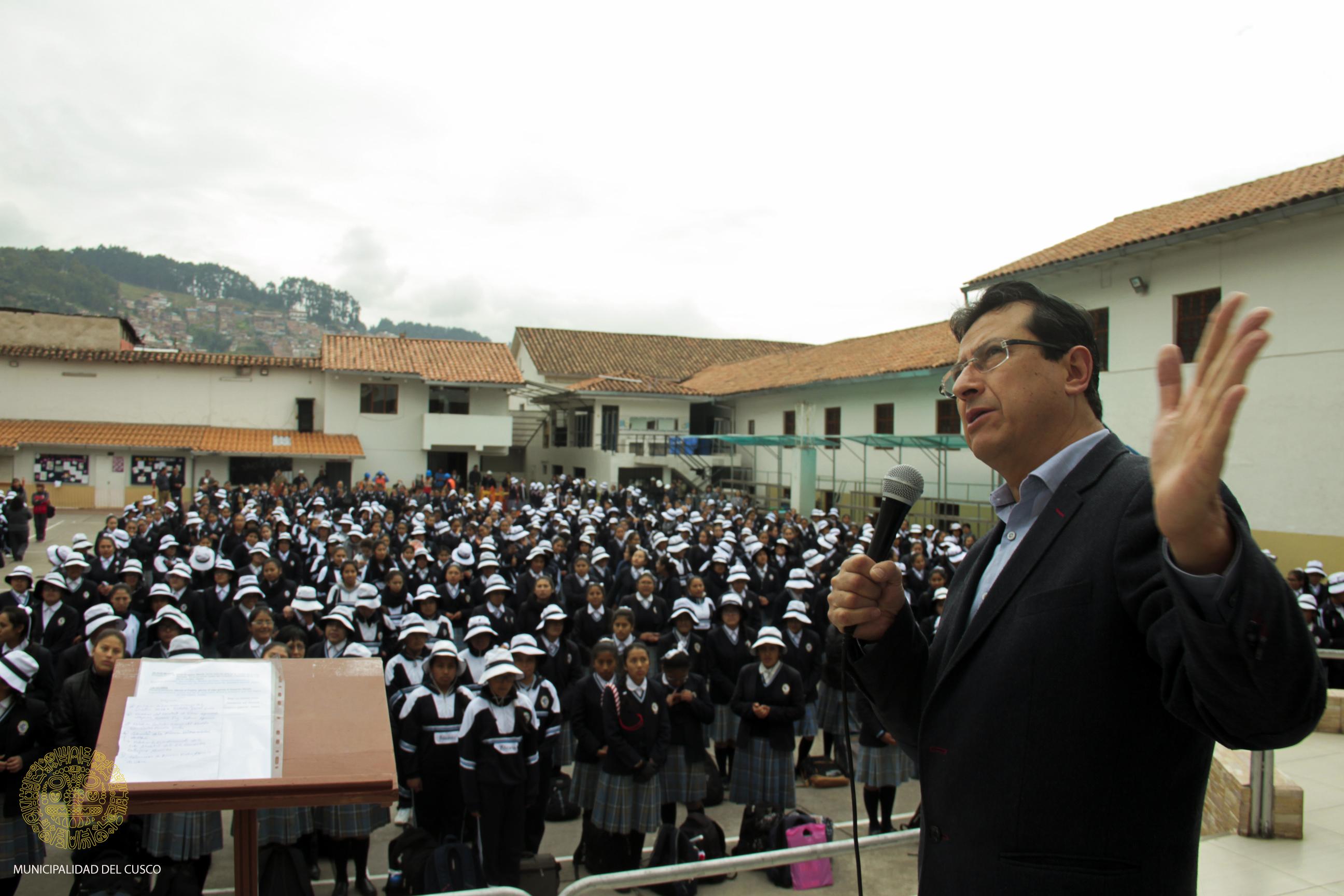 MUNICIPALIDAD DEL CUSCO INICIA OBRA:  INSTALACIÓN  DE SISTEMA DE PROTECCIÓN  CONTRA  RAYOS ULTRA VIOLETA EN LA INSTITUCIÓN EDUCATIVA   DE SEÑORITAS   EDUCANDAS