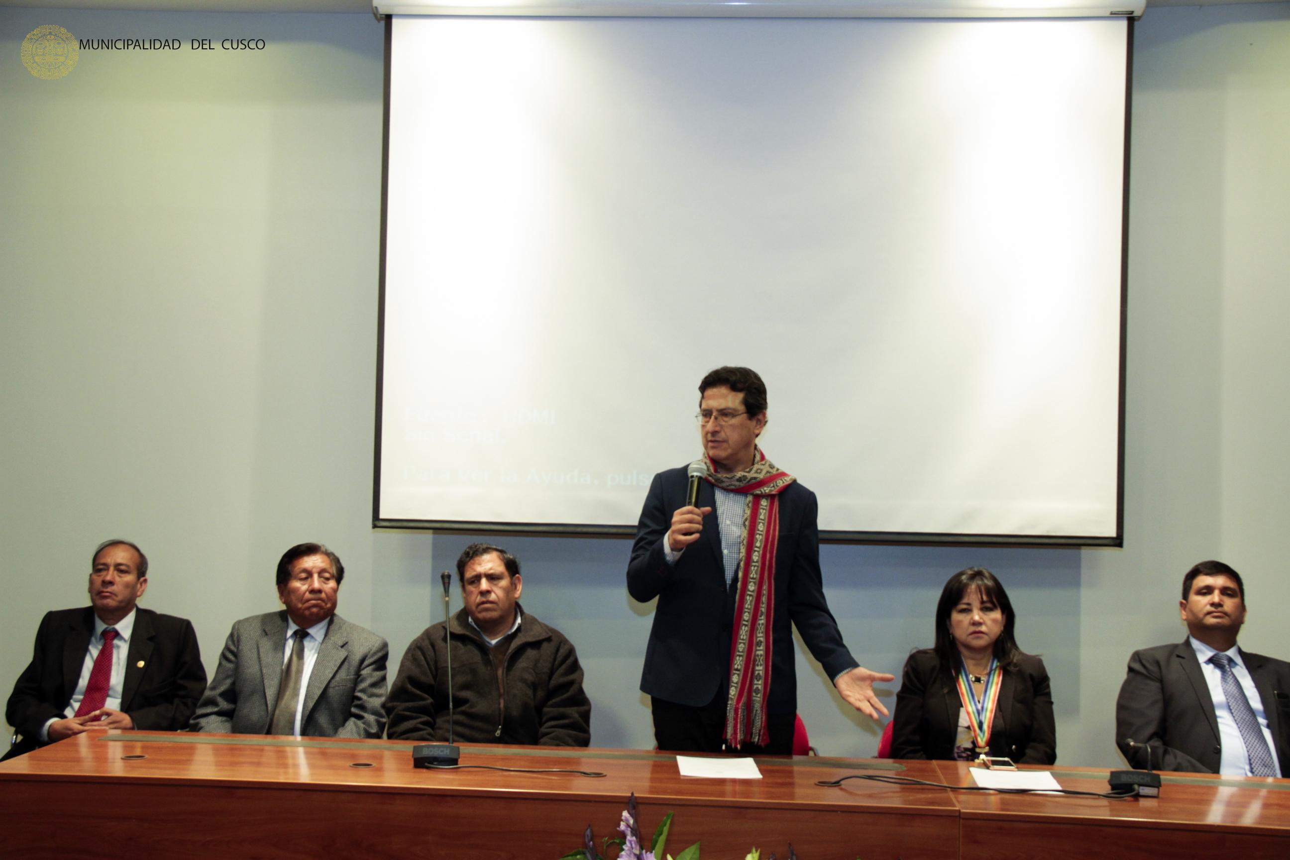 MUNICIPALIDAD DEL CUSCO SALUDA A LA EMUFEC POR SUS  31 AÑOS DE  VIDA INSTITUCIONAL.